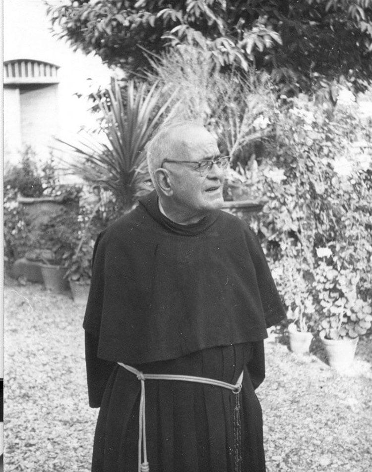 Padre Moretti, grafologo